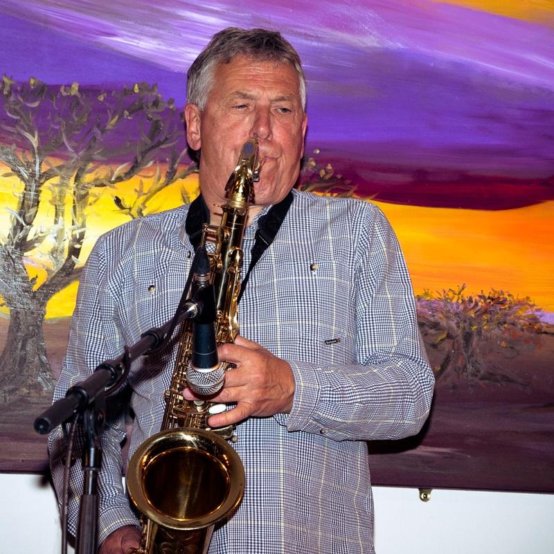 Marty Craggs - Saxophone